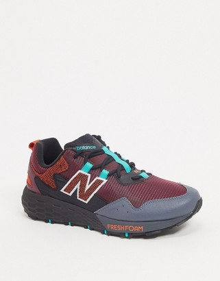 New Balance Running Trail Crag trainers in red