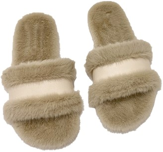 Goodnight Macaroon 'Hilary' Faux Fur Slides (3 Colors)