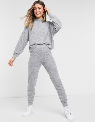 New Look knitted sweatpants set in gray