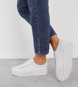 Asos DESIGN Wide Fit Dynamic leather chunky sneakers in white
