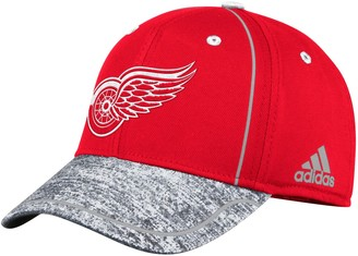 adidas Adult Detroit Red Wings Alpha Flex-Fit Cap
