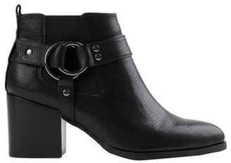 GUESS Ankle boots