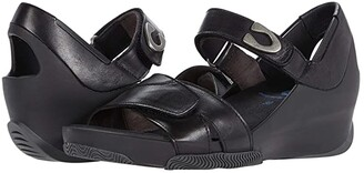 Wolky Epoch (Black Mustang Leather) Women's Shoes