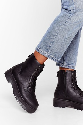 Nasty Gal Womens Eyelet It Go Lace-Up Cleated Boots - Black - 3