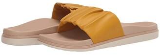 OluKai Pihapiha (Black/Off-White) Women's Sandals