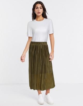 Vero Moda pleated midi skirt in olive