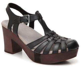 Earth Cerris Platform Sandal