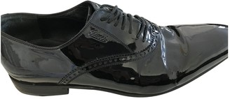 Gucci Black Patent leather Lace ups