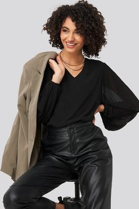Trendyol Shoulder Detail Blouse Black