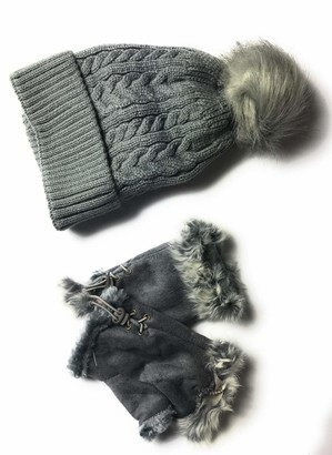 Kgm Accessories Knit Fleece Lined Beanie Pom HAT with Gloves Set - Ladies Women's Winter Hats Gloves Set (Grey)