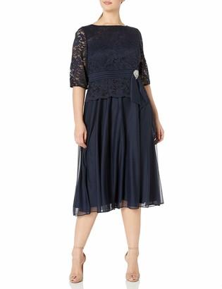 Le Bos Women's Plus Size LACE Dress with Brooch Waist Detail