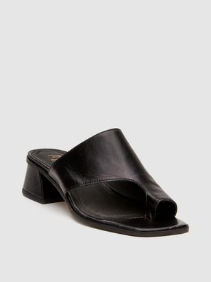 Matisse Goddess Square Toe Block Heel Sandal