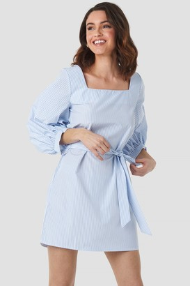 NA-KD Puff Sleeve Square Neck Tie Dress