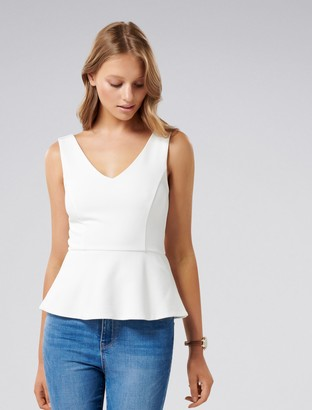 Forever New Amy V-Neck Peplum Top - Porcelain - xxs