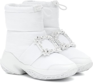 Roger Vivier Viv' Run Snow embellished boots