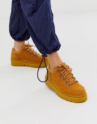 Skechers 5eye hiker boot in beige nubuck leather