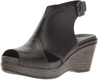 Dansko Women's Vanda Ankle Bootie