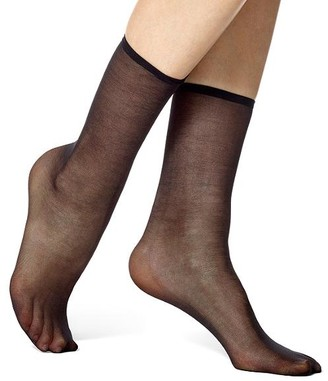 Hue Super Sleek Sheer Ankle Socks