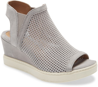 Sofft Basima Perforated Wedge Sandal