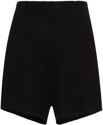 ST. AGNI Elasticated Waistband Linen Shorts