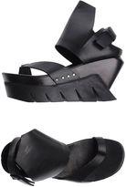 Cinzia Araia Toe strap sandals - Item 11178655