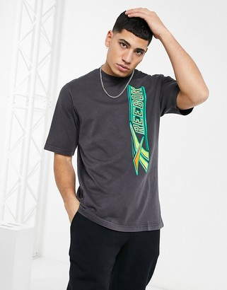 Reebok Classics T-shirt with vertical vintage print in black