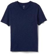 Gap Short sleeve V-neck pocket tee