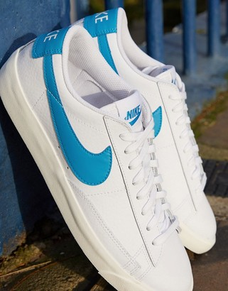 Nike Blazer Low Leather trainers in white/blue