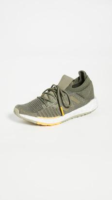 adidas Pulse Boost HD MC Sneakers