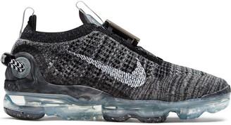 Nike Vapormax Flyknit 2020 sneakers in black/gray fog