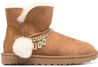 UGG Logo-Charm Suede Boots