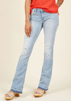 P9592ml This ain't your first foray onto the street style scene, hence the confidence with which you sport these distressed bell-bottom jeans! Letting off casual-cool vibes with their light wash, stretch denim, distressing, and frayed hems, this five-pocket pair