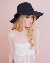Missy Empire Tammy Black Ribbon Trim Floppy Hat