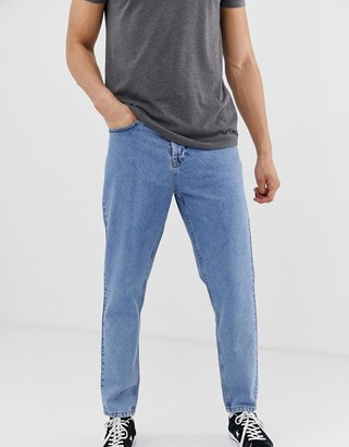 Solid tapered dad fit jeans in light blue wash