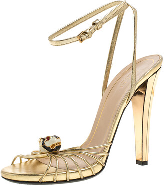 Gucci Metallic Gold Leather Strappy Tiger Charm Embellished Ankle Strap Sandals Size 38