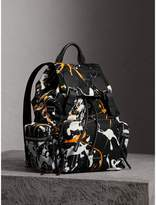 Burberry The Medium Rucksack in Splash Print