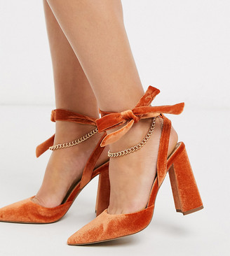 ASOS DESIGN Wide Fit Wholesome pointed block heels with chain anklet in orange velvet