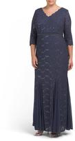 Plus Long V-neck Scallop Trim Gown