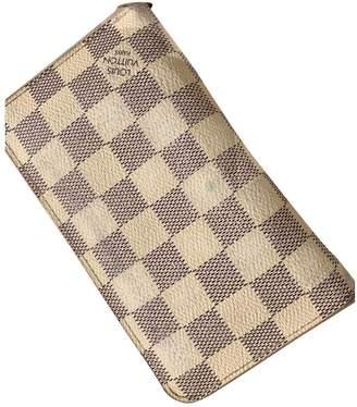 Louis Vuitton Zippy Beige Cloth Wallets
