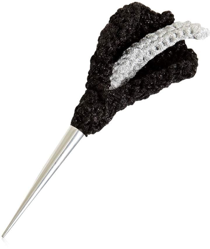 Maison Margiela Flower Crochet Pin