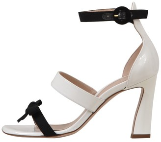 Stuart Weitzman Bow Detail Sandal
