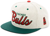 Mitchell & Ness Bulls Brushed Heather Holiday Snapback