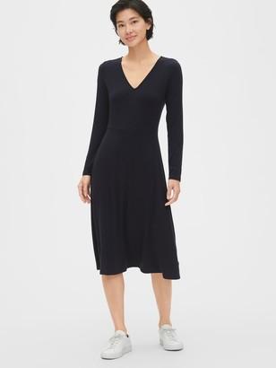 Gap Fit and Flare Knit V-Neck Midi Dress