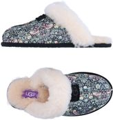UGG Slippers - Item 11253241