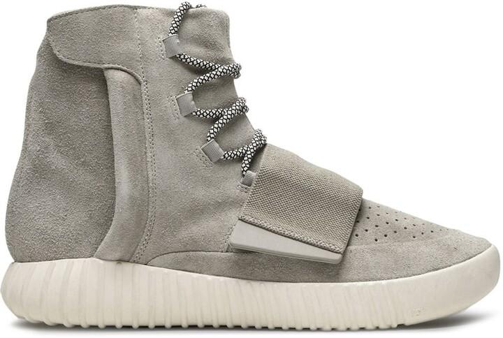 Yeezy 750 Boost high-top sneakers