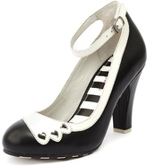 Lola Ramona June Hearts Black Pumps