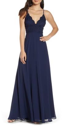Lulus Madalyn V-Neck Lace & Chiffon Evening Dress