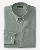 Eddie Bauer Men's Wrinkle-Free Relaxed Fit Oxford Cloth Shirt - Solid