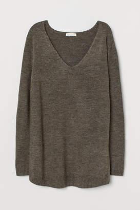 H&M MAMA V-neck Sweater