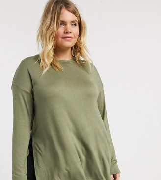 Asos DESIGN Curve longline top with long sleeve in textured jersey in khaki-Green